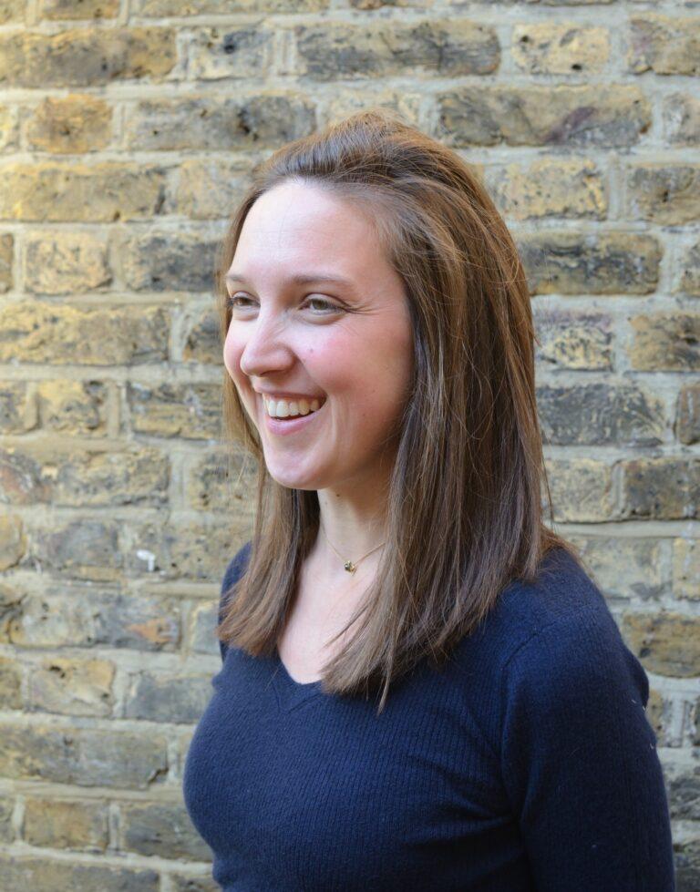 A head shot of Sarah Hutt